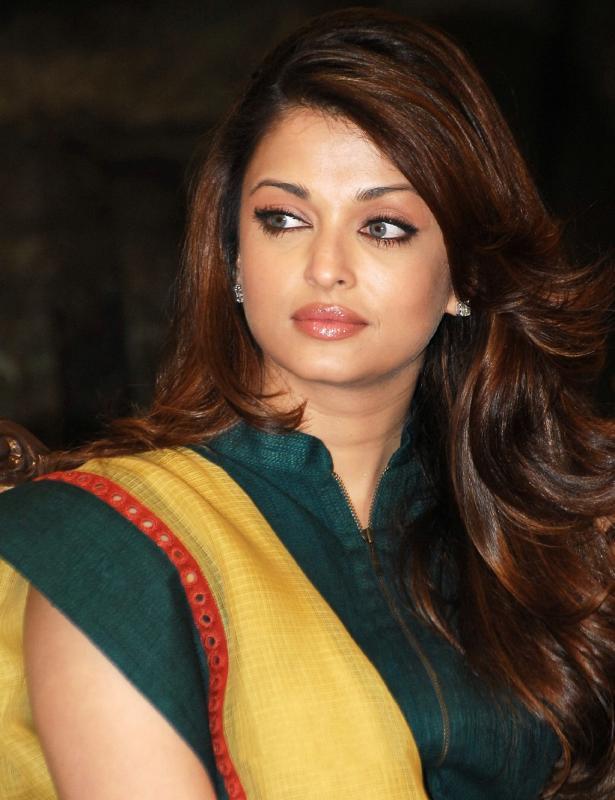 Aishwarya Physique Photo