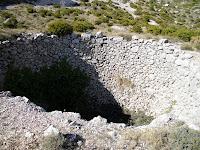 Pouet de la font del Cantal, Canal de la Mallada del Llop