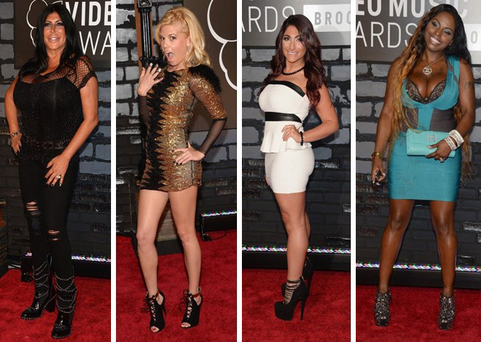 Somewhere I Belong Red Carpet At Mtv Video Music Awards 2013