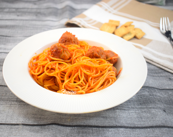 Espaguetis con Albóndigas. Vídeo Receta