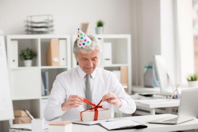 Joyeux anniversaire patron- Textes et SMS