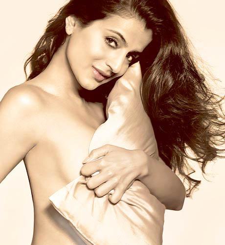 amesha topless