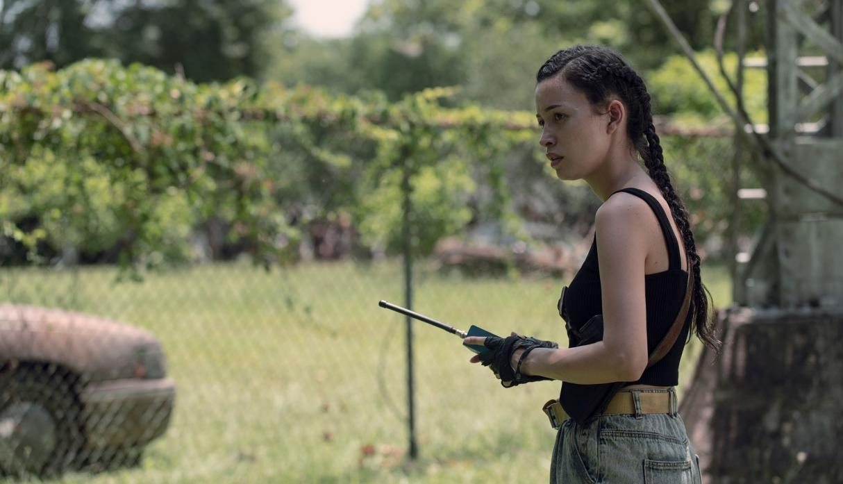 Rosita, en el episodio 9x06 Who Are You Now? de The Walking Dead