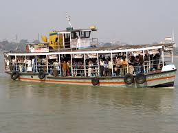 जल परिवहन पर निबंध   Essay On Water Transport In Hindi