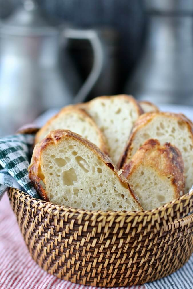 Garlic and Cheese Country Bread slices