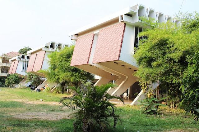 Modern architecture, Phnom Penh, Cambodia - travel blog