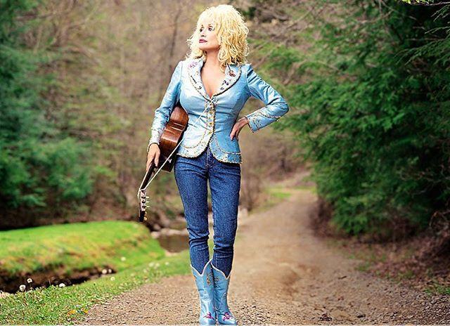 Dolly Parton Hot & Sexy pics
