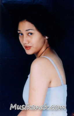 Download Lagu Nike Ardilla Matahariku Full Album (1992)