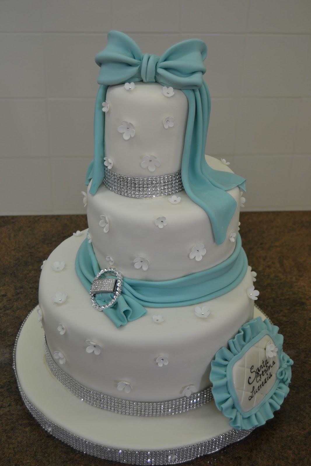 Dolce universo realizza torte artistiche di compleanno e for Torte di compleanno a due piani semplici