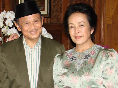 http://downloadstreamingfilm.blogspot.com/2016/05/habibie-dan-ainun-2012-bluray-720p.html