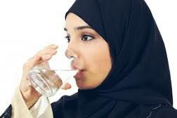5 Manfaat Minum Air Hangat Dimalam Hari!