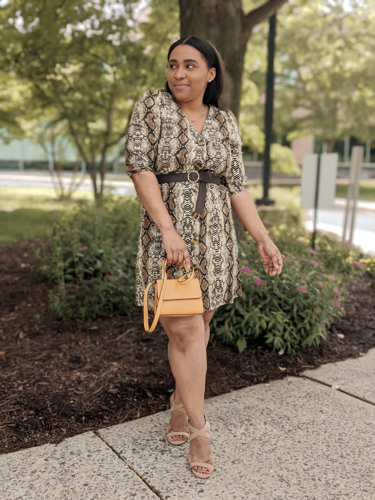 dress lilly, printed dress, snake print dress, how to style animal print, different ways to wear animal print, pattys kloset, summer outfit ideas, summer dresses