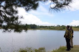 Musa Rajekshah Ajak Masyarakat Lestarikan Lingkungan Danau Aek Natonang dan Danau Sidihoni