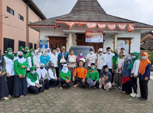 MWC NU Mejobo Kerahkan Anggota, Serahkan Bantuan Korban Banjir