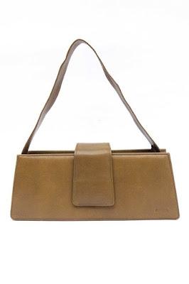 ماريا في مانزانيلا بفضل شكلها المنظم ولونها المحايد ، فإن حقيبة Edas هي اختيارك الجديد.