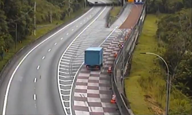 Área de Escape na Serra do Cafezal evita mais um acidente na BR-116