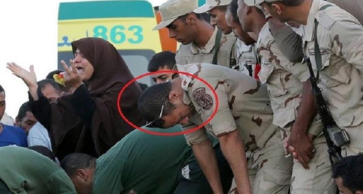 ضابط الجيش صاحب صورة رشيد الشهيرة يتحدث لأول مرة و يكشف مفاجأة كبرى عن الحادث