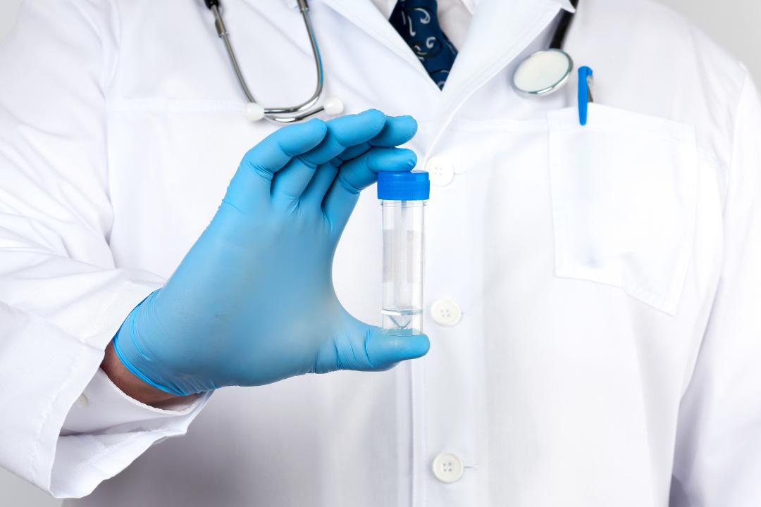 El resultado positivo del coproanalisis indica que fue aislada una bacteria patógena causante de la infección, en este sentido, se podrá conocer que tipo de bacteria que se encuentra presente en el tracto gastrointestinal.