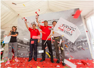 Source: OCBC Cycle 2016. Samuel Tsien (second from left), Group CEO of OCBC Bank, Lim Teck Yin (third from left), CEO of Sport Singapore, and Jeffrey Goh (extreme right), President of the Singapore Cycling Federation, officiating the launch of OCBC Cycle 2016 at orchardgateway, Singapore.