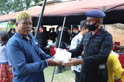 Dapur Lapangan dan Pembagian Paket Makanan Brimob Jambi Kepada Masyarakat Dalam Rangka Memperingati Hari Bhayangkara Ke-74