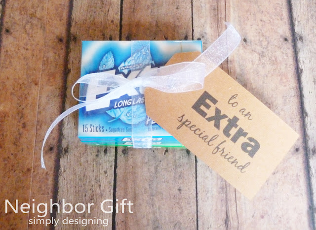 Last Minute Neighbor Gift Idea | #holiday #holidaygifts #freeprintable #christmas #diygifts #giveextragum #shop #sponsored #cbias