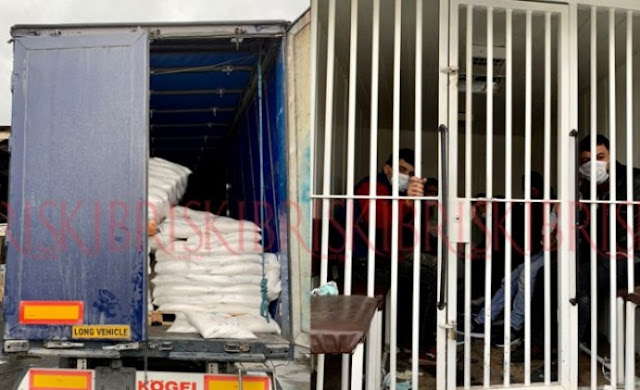 11 refugees found hidden in truck at the Famagusta port