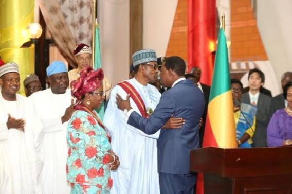 buhari kissing yayi