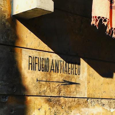 Segnale Rifugio Antiaereo Via De Jacobis
