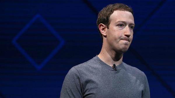 مارك زوكربيرغ يحاول تحسين صورة فيسبوك بهذه الطريقة