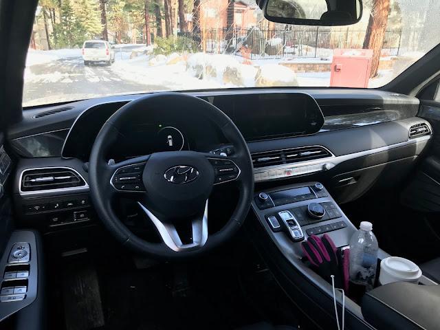 Interior view of 2020 Hyundai Palisade Limited AWD