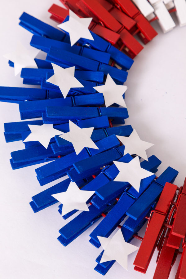 DIY 4th of July American Flag Wreath made of Clothespins