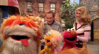 Barkley, Bob, Gina, Elmo, Zoe, Walking the dog, Sesame Street Episode 4310 Afraid of the Bark season 43