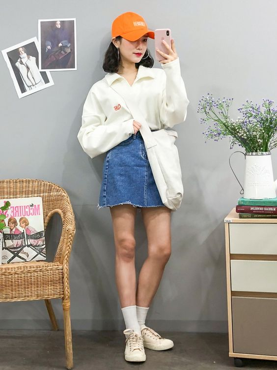 Estilo coreana com saia jeans