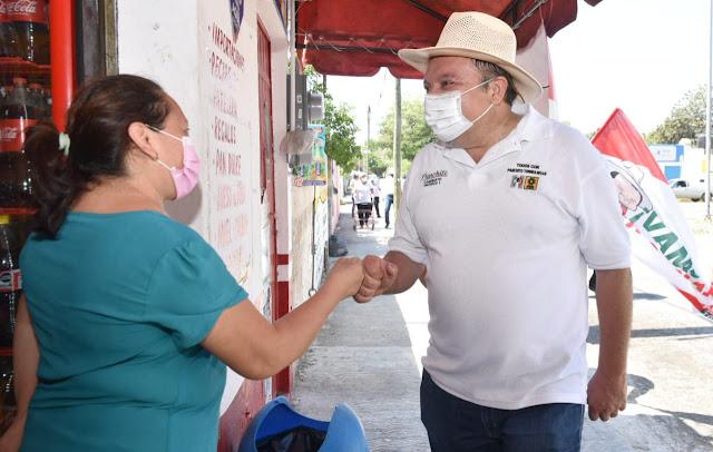 """Panchito"" Torres recorre la colonia Amalia Solórzano"