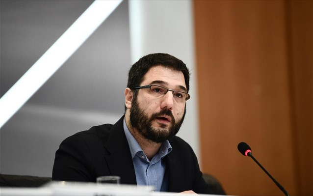 Ν. Ηλιόπουλος: Εκτός πανεπιστημίων 24.000 μαθητές - Επικίνδυνος και αποτυχημένος ο Χρυσοχοΐδης