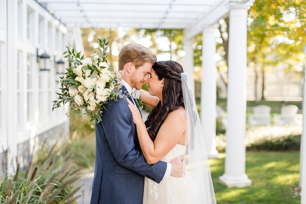 Waterfront Fall Wedding at the Chesapeake Bay Beach Club photographed by Heather Ryan Photography