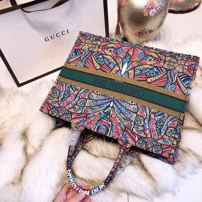 CHRISTIAN DIOR Handbag Hiver 2018 Book Tote Shopping Bag in Canvas. Order  Code  EONI183580918 d6a7df45d9651