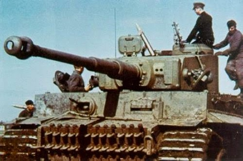Late War German Artillery And Vehicles Pictures 4