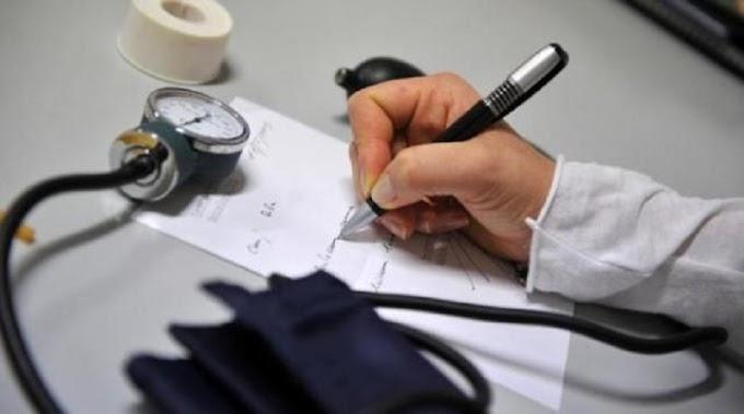 Ai domiciliari il medico che avrebbe provocato la morte a due pazienti Covid
