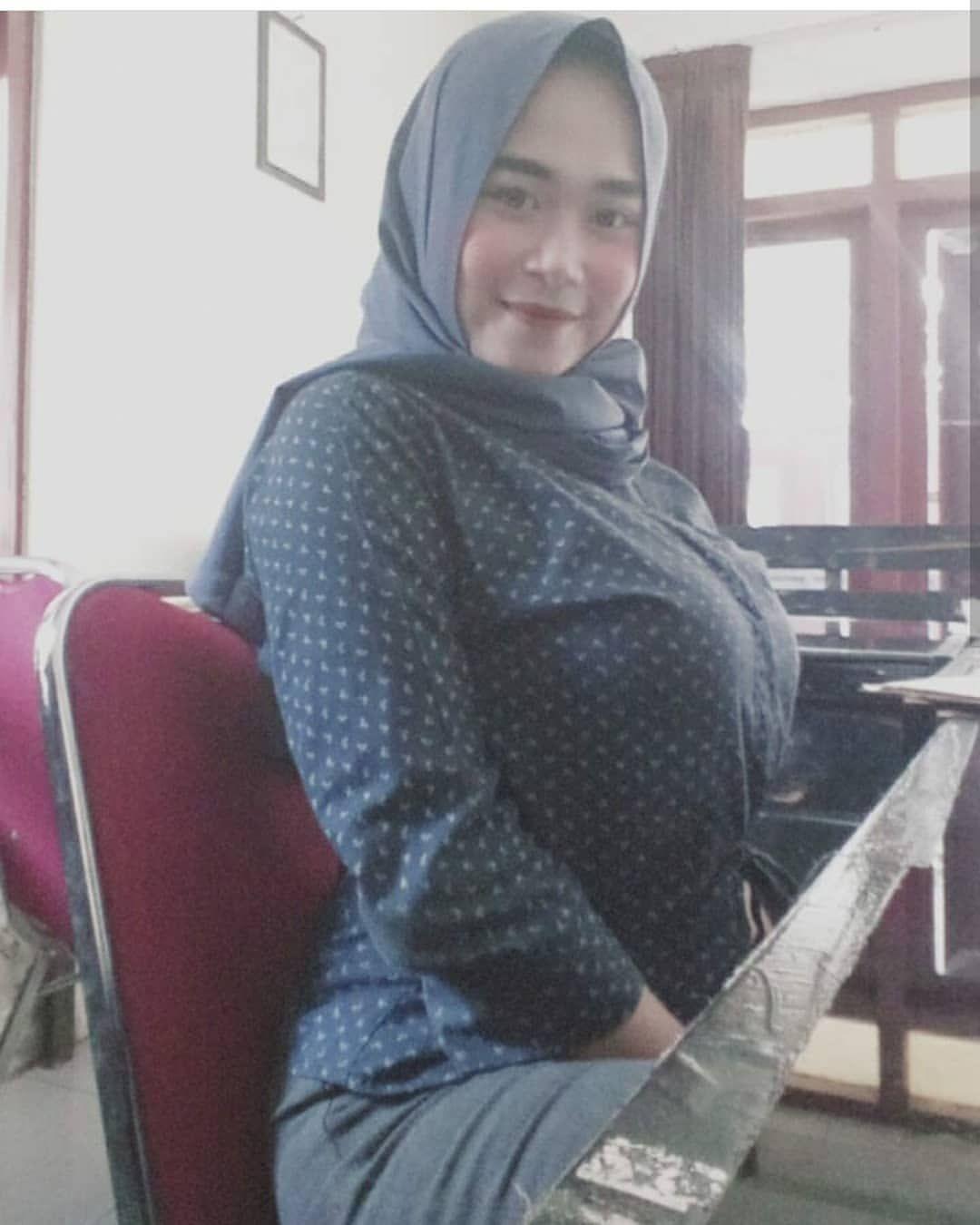 Pin di Jilbab cantik