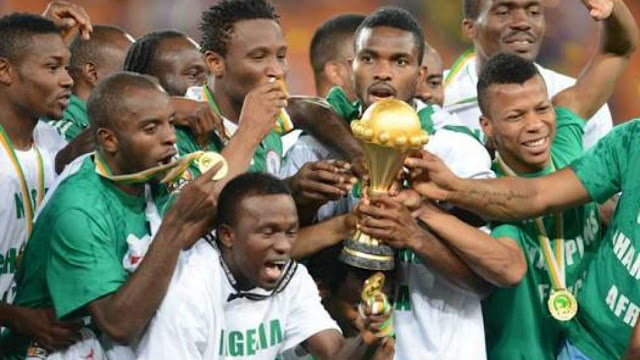 Super Eagles lifted the AFCON 2013 trophy