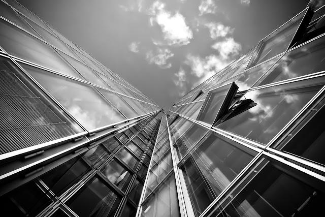 serramenti-finestre-facciata-edificio-architettura