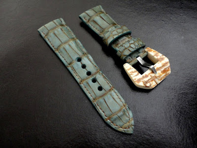Alligator strap,  Mammoth buckle Panerai PAM190