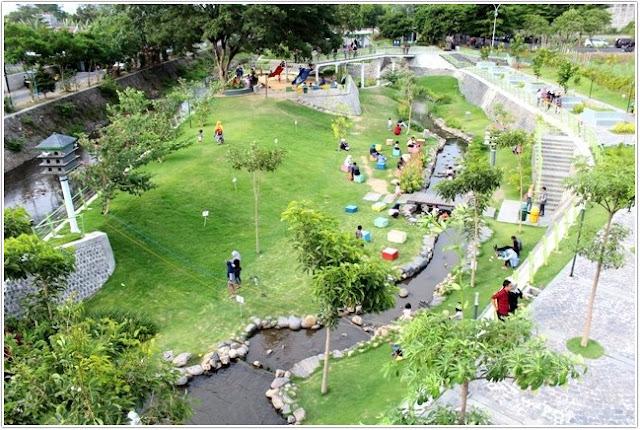 Taman Hijau Simpang Lima Gumul.;10 Top Destinasi Wisata Kediri