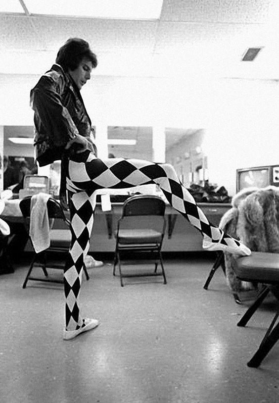 Parecer Empleador amanecer  Zapatos, los Zapatos de Patricia - El Blog de Patricia : En los zapatos de  Freddie Mercury: sus míticas Hércules de Adidas y sus Nike Greco