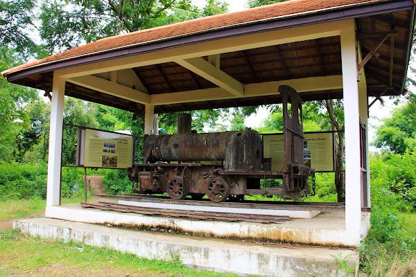Viejo tren francés en Don Khon (Si Phan Don, Laos)