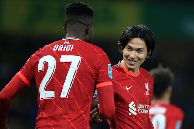 Takumi Minamino dan Divock Origi