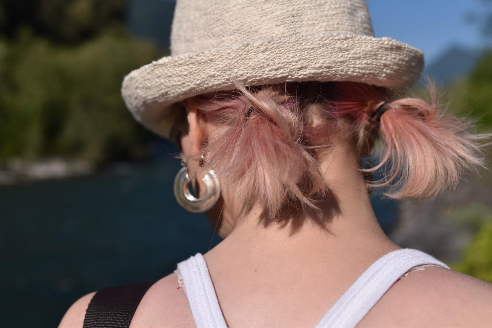 Monika Faulkner personal style inspiration - straw fedora, pink hair