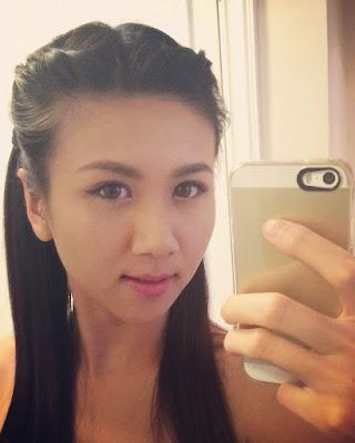Cewek Selfie cewek masni bibir indah dan seksi