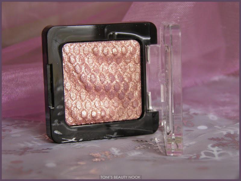 catrice Gold 'n Roses liquid metal eyeshadow